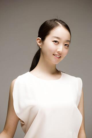 カン・ミニョン Minyoung Kang
